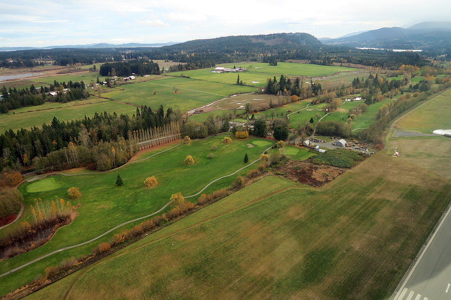 aerial view of cottonwood golfcourse and apron 2