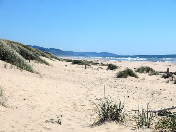 Gorgeous squeaky whte sand dunes