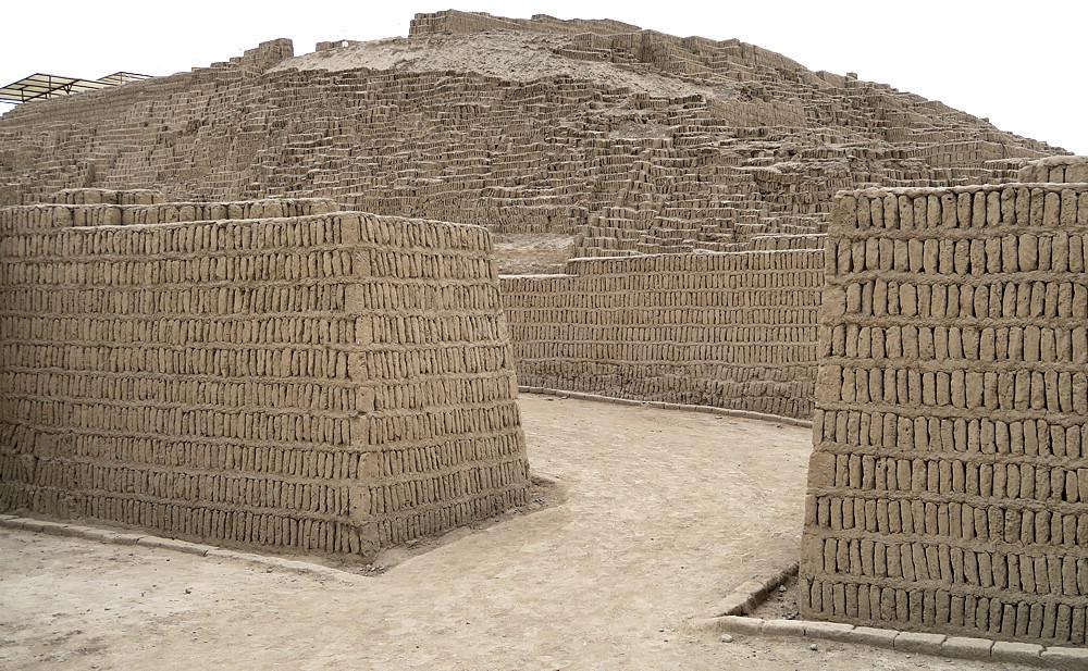 Huaca Pucllana-Pre-Incan ruins