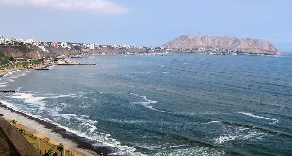 Looking southeast from Miraflores seacliff path