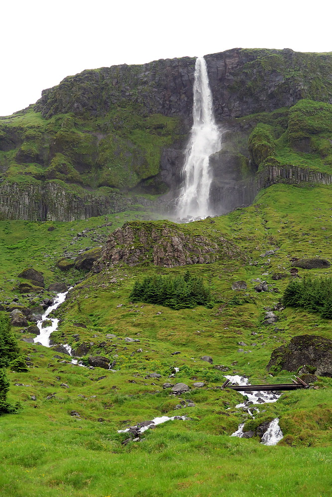 Bjarnarfoss trail